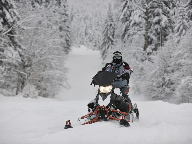 7 Tips When Buying a Snowmobile